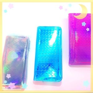 Accessories - 💎Hologram UniLovers Purse💎New!!